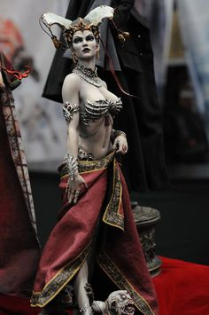 San Diego Comic Con #SDCC SideShow collectible stand. Queen of the Dead