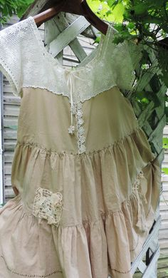 Gypsys need a soft cotton and antique lace top/dress to wear for a romantic Gypsy camp weekend with the hot summer nights. The BoHo Gypsy Victorian Lace, Antique Lace, Moda Hippie, Lace Top Dress, Summer Tunics, Altered Couture, Gypsy Skirt, Altering Clothes, Mori Girl