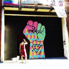 #patiomaravillas @elreydelaruina #malasaña #madridmemola #madridmola #madridgrafias #madridysuspintadas #madaboutmadrid #graffiticulture #graffitiartist #graffitiart #graffitiphotographer #wallartprint #arteurbano #artecallejero #arteenlascalles #street_perfection #stree2lab #streeartaddicted #streetartandgraffiti #tv_streetart #urbanromantix #urbanwalls #tv_strideby by anitaslowly