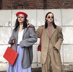 🦋NEW and Affordable ways to wear Pastels whether its fur coats, or a good street style look. Asian Street Style, Looks Street Style, Korean Street Fashion, Looks Style, Asian Fashion, Look Fashion, Winter Fashion, 70s Fashion, Fashion History