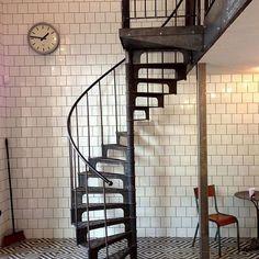 Escalier 1890 - Escalier colimacon/helicoidal en fonte de l'epoque industrielle, vers 1890 - Photos