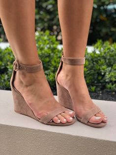 9a13a499f4339 12 Best SS18 Street Style images in 2018