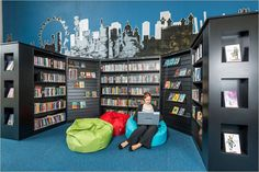 The school library of the future is a dynamic, multi-functional learning commons, a virtual and physical space and more. This webinar helps you get there.