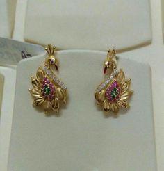 Gold Jhumka Earrings, Jewelry Design Earrings, Gold Earrings Designs, Gold Jewellery Design, Ear Jewelry, Beaded Jewelry, Jewelery, Bridal Jewellery, Peacock Jewelry