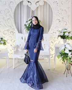 47 Ideas For Wedding Party Size Style Hijab Gown, Hijab Dress Party, Kebaya Dress, Dress Pesta, Muslimah Wedding Dress, Dress Outfits, Fashion Dresses, Model Kebaya, Muslim Dress