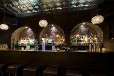 Door 74, 'hidden' cocktail bar in Amsterdam | check!