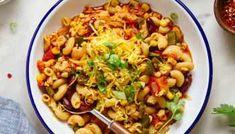 Easy Vegetable Chili (Crockpot or Stovetop) - The Simple Veganista Three Bean Chili Recipe, Chili Mac Recipe, Chili Recipes, Vegan Recipes, Veggie Chili, Chili Chili, Spicy Chili, Turkey Chili, Vegan Goulash