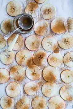 made by mary - vegetarian receipes - apple chips, a healthy snack