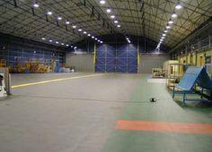 Hallenboden mit Eco 500/10 – UHD-Fliesen für hohe Belastungen
