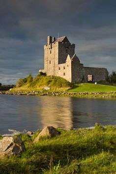 Dunguaire Castle (built in 16th Century) near Kinvara, County Galway, Republic of Ireland