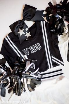 Easy DIY Cheerleader Costume_-17