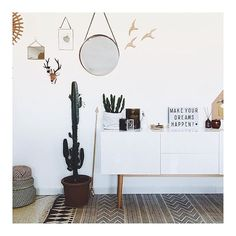 Happy and light saturday ! Avec notre petit nouveau joli Buffet @drawerteam  #athome #madecoamoi #brandnew #teasing #newin #scandinave #deco #bohemian #style #homedecor #interiordesign #cactus #cactuslover #lightbox #inspiration #instadecor #instahome #vintage #blogdeco #frenchblogger #instapic #saturday #interior4all