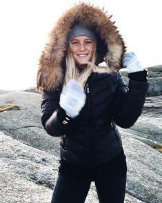 😄 Fall Winter, Autumn, Canada Goose Jackets, Scandinavian, Winter Outfits, Winter Jackets, Fur, Instagram, Girls