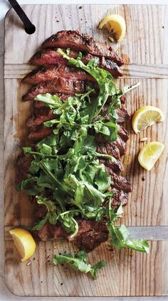 Grilled Soy-Lemon Flank Steak with Arugula recipe. This easy to make marinated grilled steak recipe can easily be made gluten free by using tamari sauce instead of soy sauce. Make this easy adn delicious soy-lemon marinade and marinate the flank steak for Potluck Recipes, Steak Recipes, Cooking Recipes, Healthy Recipes, Easy Dinner Party Recipes, Lemon Recipes, Paleo Snack, Enjoy Your Meal, Arugula Recipes