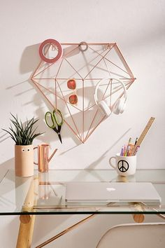 Diamond Multi-Hook Organizer - Diamond-shaped multi-hook organizer perfect for desk supplies, art supplies or jewelry and other small accessories. In a rose gold finish with 11 hooks for ample storage! Rose Gold Rooms, Rose Gold Decor, Gold Bedroom, Bedroom Decor, Marble Bedroom, Home Decor Accessories, Decorative Accessories, Office Accessories, Diy Casa