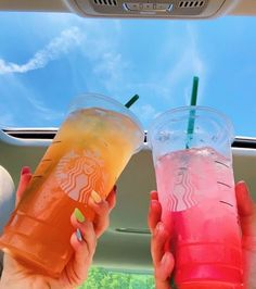 Bebidas Do Starbucks, Copo Starbucks, Starbucks Coffee, Starbucks Secret Menu Drinks, Starbucks Recipes, Yummy Drinks, Yummy Food, Healthy Food, Think Food