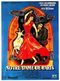 Notre-Dame de Paris est un film réalisé par Jean Delannoy . Au XVè siècle, sous la France de Louis XI, ce dernier autorise une foire annuelle de danseurs et baladins sur le parvis de Notre-Dame et à cette occasion l'alchimiste Claude Frollo rencontre la belle bohémienne Esmeralda. Il s'en éprend et demande au bossu Quasimodo de l'enlever sans se douter qu'interviendraient le poète Gringoire et le capitaine des archers Phoebus, tous deux également amoureux d'Esmeralda.