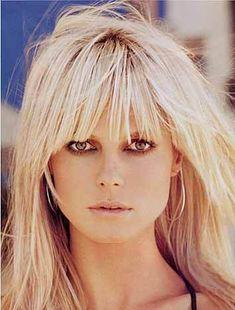 Heidi klum hair, blonde hair with bangs, bangs long hair, platinum blonde bangs Platinum Blonde Bangs, Blonde Hair With Bangs, Her Hair, Hair Bangs, Hairstyles With Bangs, Pretty Hairstyles, Heidi Klum Hair, Perfect Blonde, Gorgeous Blonde