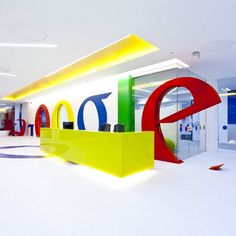 Google Office Freshome01 Googles New Vivid Office in London Featuring Telephone Booths, Giant Dice and Beach Huts