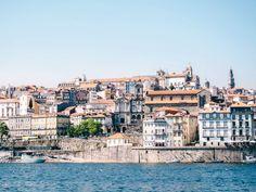 Wir haben die schönsten #Porto Reisetipps wie #Ribeira, den Torre des Clérigos, dem Paco Episcopal, die Ponte Dom Luis Portugal, Paris Skyline, Holland, Dom, Travel, Holidays, Porto, Wood, Europe