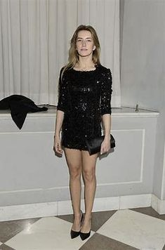 Kamilla Baar w mini, Joanna Moro w maxi (FOTO) Recital, Celebs, Celebrities, Tights, Formal Dresses, Sexy, Black, Fashion, Navy Tights