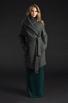 Пальто зимнее с поясом, на кнопках UONA. Эксклюзивное качество тканей и пошива. Особенности: Длинный рукав с манжетом. Состав: шерсть 100% подкладка: 100% шерсть Размер:  One Size (с идеальной посадкой на S/M/L) Цвет: серый, серо-коричневый, черно-белый Сезон: зима (до -15 гр)