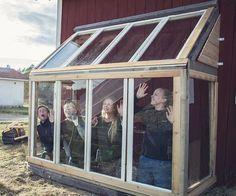 Outdoor Garden Sink, Outdoor Greenhouse, Backyard Greenhouse, Small Greenhouse, Greenhouse Plans, Cold Frame Gardening, Cold Climate Gardening, Cinder Block Garden, Vintage Garden Decor