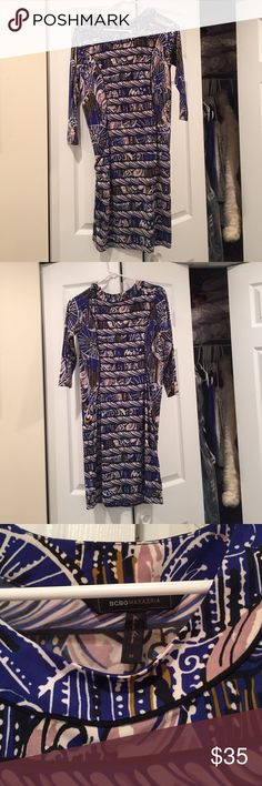 BCBG Maxazria Dress - Medium BCBG Maxazria Dress - Medium BCBGMaxAzria Dresses