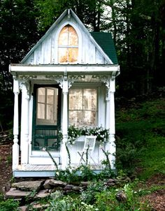 Tiny Cottage Victorian Times A former Catskills hunting cottage is remade in a romantic Victorian style by owner Sandra Foster. Doing much of the carpentry work herself and using a variety of salvaged elements, she's created a cozy hideaway filled with books and lit by a crystal chandelier.