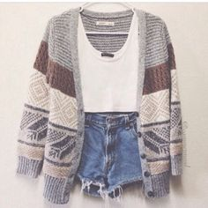 Crop top, high waisted shorts, and cardigan! I like the cardigan! Fashion Mode, Look Fashion, Teen Fashion, Fashion Outfits, Fashion Clothes, Fall Fashion, Womens Hipster Fashion, Urban Fashion, Hipster Fashion Summer
