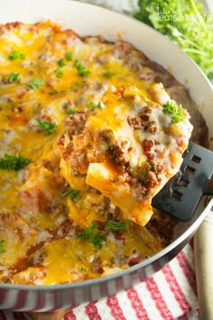 Skillet Lasagna Recipe ~ Craving Lasagna and Short on Time? Try this Delicious, Easy Lasagna Recipe Made in One Skillet and the Perfect Weeknight Dinner! ~ http://www.julieseatsandtreats.com