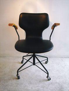 Isamu Kenmochi; Office Chair for Tendo Mokko Chair, 1950s.