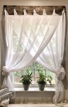 If you are looking for Modern Farmhouse Living Room Decor Ideas, You come to the right place. Here are the Modern Farmhouse Living Room Decor Idea. Farmhouse Curtains, Farmhouse Windows, Country Curtains, Farmhouse Stairs, Living Room Designs, Living Room Decor, Bedroom Decor, Living Rooms, Wall Decor