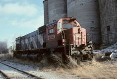CN M636 2329 Abandoned Train, Abandoned Ships, Abandoned Places, Train Car, Train Tracks, Canadian National Railway, Railroad Pictures, Railroad Photography, Old Trains
