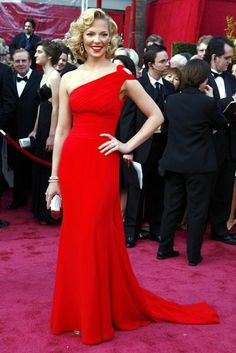 Combining two of the night's key trends - one shouldered dresses and the colour red-  Katherine Heigl looked stunning in this Escada column gown (2008)