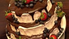 Heavy cream, butter and chocolate are melted together to make a dark chocolate glaze. Use high quality chocolate in this recipe. How To Temper Chocolate, Like Chocolate, Chocolate Cream, Tempering Chocolate, Chocolate Glaze, Cream Butter, Recipe Directions, Confectioners Sugar, Original Recipe