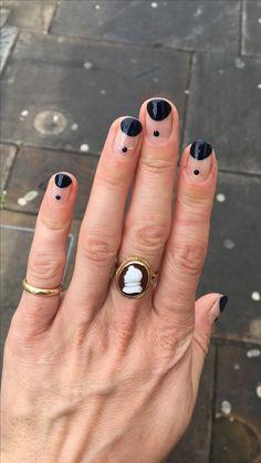 valentines-day-diy-nail-designs-moon-and-dotted-nails-min – Girl Garten – Nail Art Ideas 2020 Diy Nails, Cute Nails, Pretty Nails, Manicure Ideas, Nail Art Diy, Minimalist Nails, Mens Nails, Nagellack Design, Diy Nail Designs