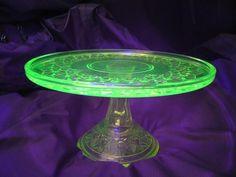 Glowing Radioactive Materials: Glowing Radioactive Uranium Glass