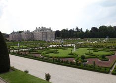 Het Loo was William and Mary's palace where they indulged in the new Dutch style of garden design.