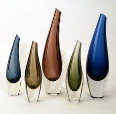 design-is-fine: Tapio Wirkkala, Fish Bladder vases, For Iittala, Finland. Via freeformusa Blown Glass Art, Art Of Glass, Vintage Vases, Glass Ceramic, Glass Design, Murano Glass, Scandinavian Design, Glass Bottles, Designer