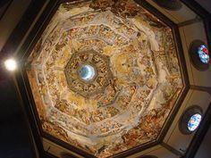 È possibile vedere all'interno della Cupola un affresco di 3600m² effettuato da Giorgio Vasari e Federico Zuccari tra il 1572 e il 1579. www.madeoftuscany.it