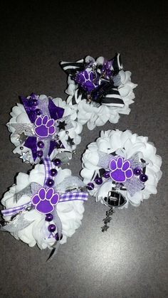 Homecoming mum rings for the flute section. Texas Homecoming Mums, Football Homecoming, Homecoming Garter, Homecoming Corsage, Homecoming Spirit, Homecoming Ideas, Prom, Cheer Gifts, Cheer Mom