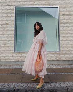 Who hasn't dreamed to be a princess? 👸🏻 @saniaclausdemina #CPHFW #København #Copenhagen #FacehunterCPH 🇩🇰