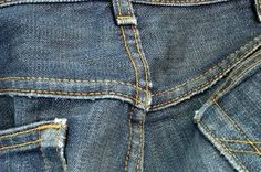 You can use gentle products to remove chemical smells from denim.