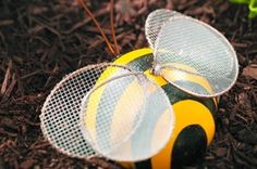 With a few basic supplies and little imagination, recycle an old bowling ball into a bumblebee with this bowling ball garden art project.