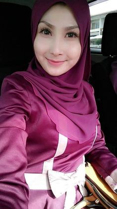 Beautiful Hijab, Beautiful Women, Muslim Girls, Cute Faces, These Girls, Covergirl, Hijab Fashion, Enlargement Pills, Wonder Woman