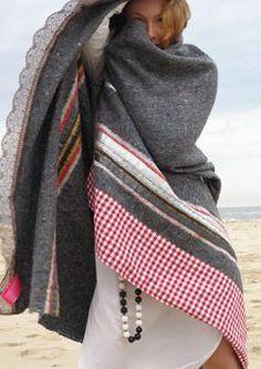 Verwerken van een warme wollen deken ...