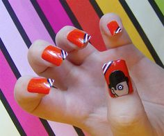 A Clockwork Orange | 19 Must Have Literary Manicures #Fall #Nails