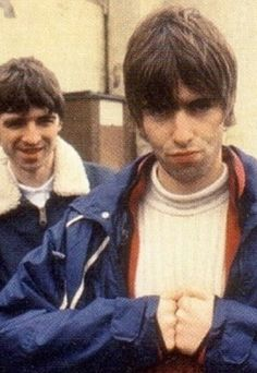 oasis fanatic - gallery - oasis pictures - liam gallagher - what a . Great Bands, Cool Bands, Banda Oasis, Liam Gallagher Noel Gallagher, Oasis Music, Oasis Band, Definitely Maybe, Liam And Noel, Britpop