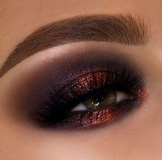 Pat McGrath Real, Smokey Eye using Pat McGrath Metalmorphosis Eye Palette, Eye Shadow, Eye Shadow for Green Eyes, MakeUp Eye Makeup Glitter, Glam Makeup, Makeup Inspo, Beauty Makeup, Huda Beauty, Smokey Eyeshadow, Eyeshadow Looks, Makeup Goals, Makeup Tips